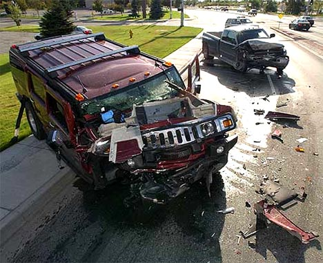 hummer-h2-accident001