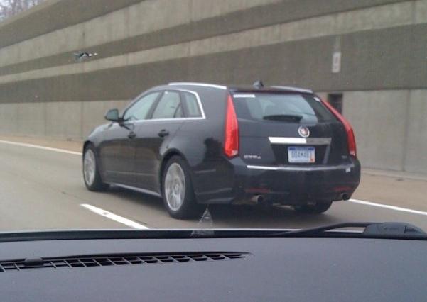 Cadillac-CTS-Sport-Wagon-01